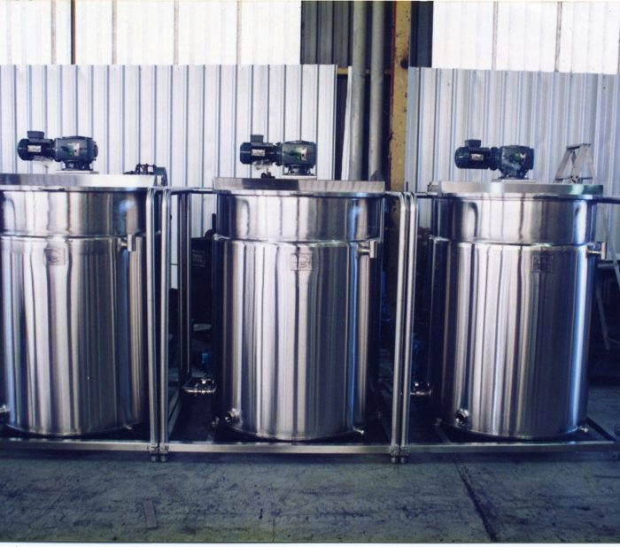 Non pressure water jacketed tanks for chocolate 3